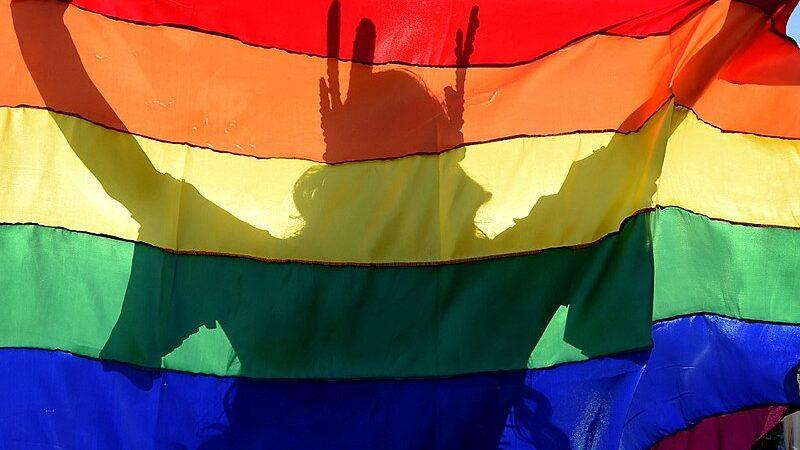 A luta LGBTQIA+ é por vacina, pão, educação e respeito!